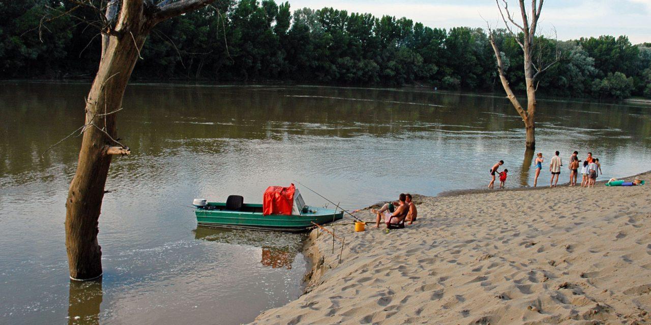 Horgászverseny a Tiszán